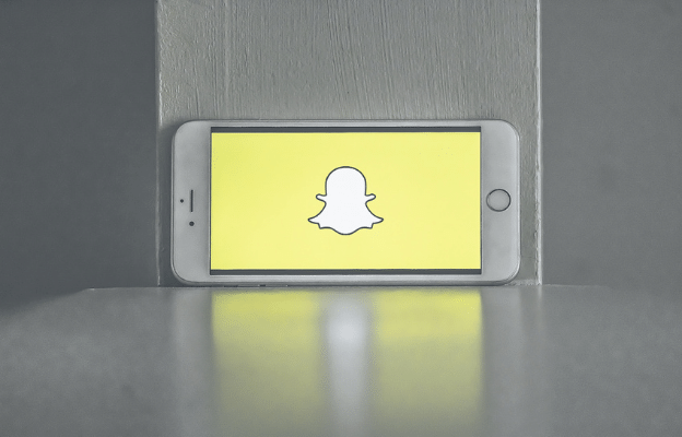 snapchat app on mobile phone